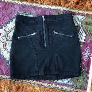 mini skirt w zipper detail